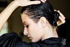 Cách dưỡng tóc bằng dầu dừa để có mái tóc chắc khỏe.